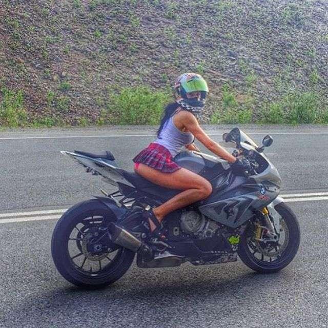 Instagramで人気を集めた「最もセクシーなライダー」が事故で亡くなる