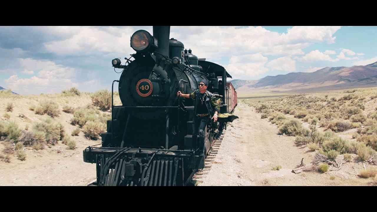 BLACK TRAIN PV FULL - YouTube
