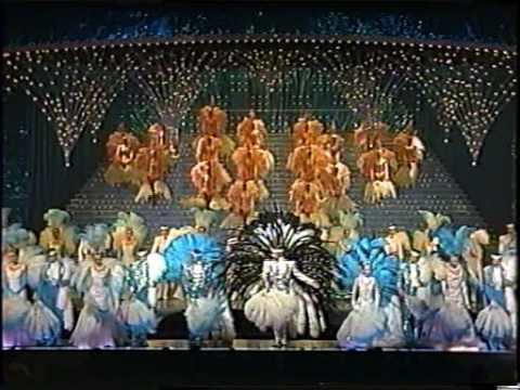 星組 「パッション・ブルー」 パレード - YouTube