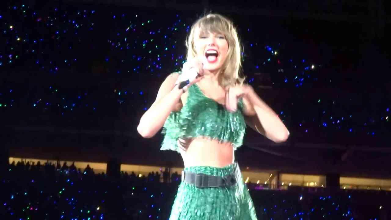 Taylor Swift - Shake It Off Live - 8/14/15 - 1989 World Tour - Santa Clara, CA - [HD] - YouTube