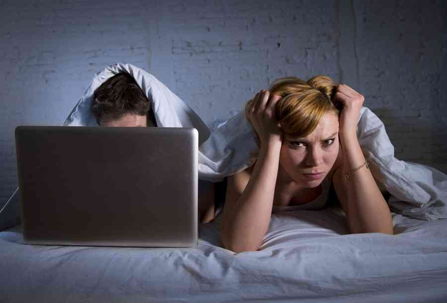 ポルノを好む男性は性行為が困難に…強すぎる刺激が原因「ポルノED」