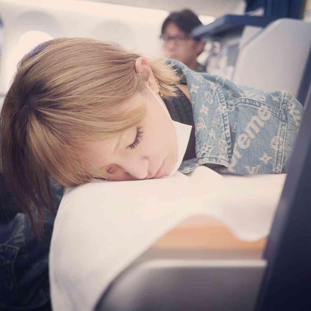 浜崎あゆみの無防備な寝顔に反響「天使」「かわいすぎる」