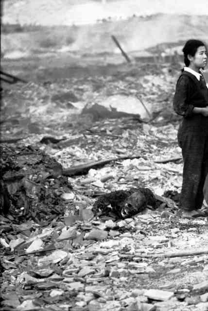 長崎、亡骸と立つ少女は私 被爆翌日「涙も出なかった」:朝日新聞デジタル