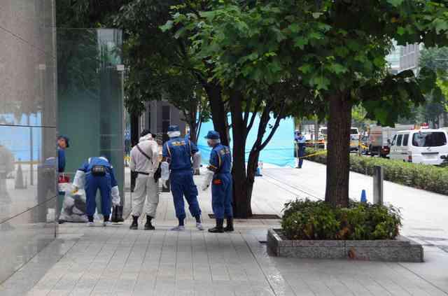 東京・大手町で女性が刺され意識不明 男を現行犯逮捕 (朝日新聞デジタル) - Yahoo!ニュース
