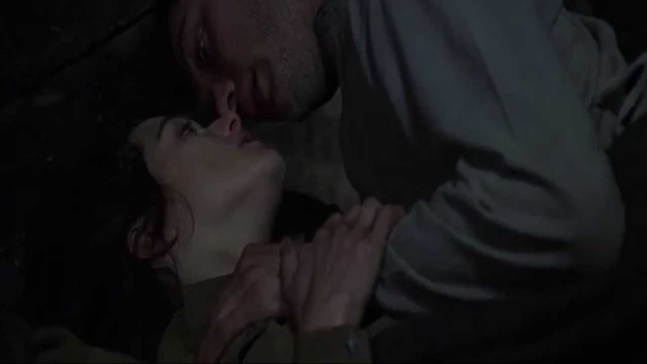 Jude Law Rachel Weisz sexy scene Enemy At The Gates - YouTube
