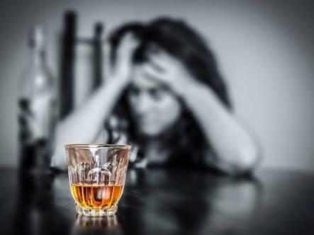 アルコール依存症の方もしくはなった事がある人