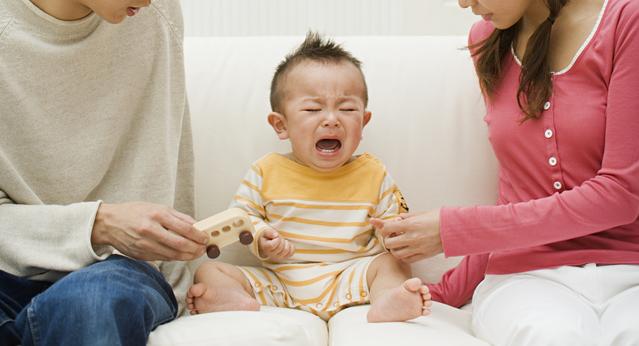 公共機関で泣く赤ん坊への擁護論に反響 良好な健康が喜べないのかと批判