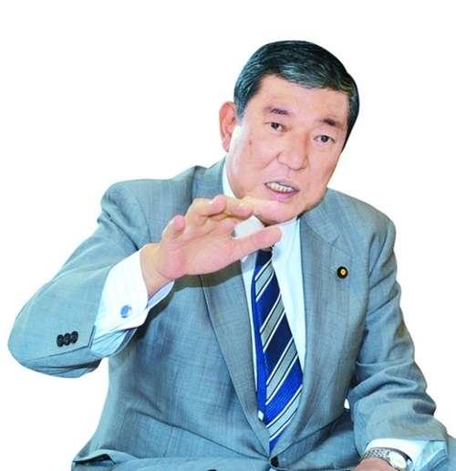 自民党の石破茂氏が核兵器の国内配備の議論を提起
