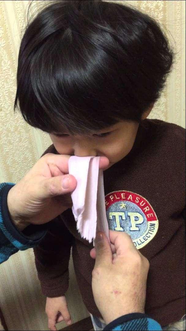 鼻水を取る裏ワザ「お鼻スルスル」をやってみた! - YouTube