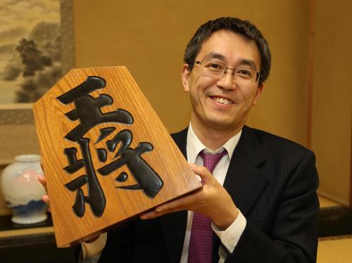羽生善治二冠、史上初「永世七冠」へ挑戦権 将棋・竜王戦