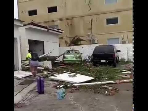 ハリケーン「イルマ」が通過した後のカリブ海のセント・マーチン島 - YouTube