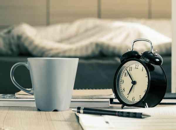 どのくらい寝れば足りる? 社会人が思う平日のベストな睡眠時間TOP5!