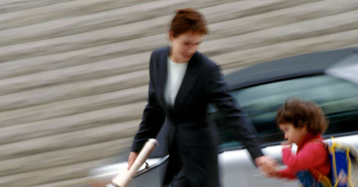 子どもを持つ女性の就業率は52% 正社員率はたったの◯% 【なぜ?】
