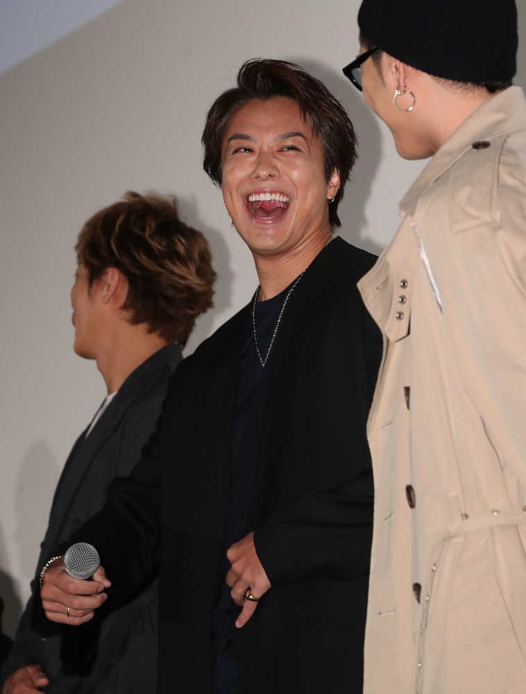 TAKAHIRO、電撃婚後初の公の場 右手薬指に指輪キラリ― スポニチ Sponichi Annex 芸能