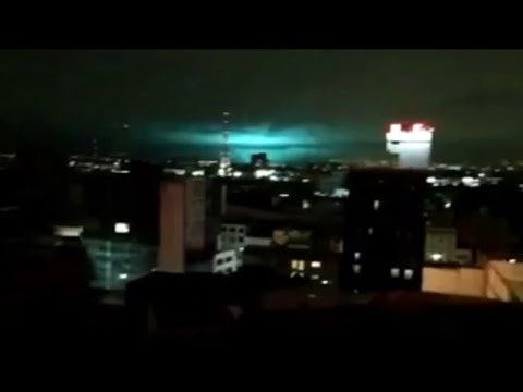 SCARY LIGHTS SEEN OVER MEXICO DURING 8.0 EARTHQUAKE SEPTEMBER 2017 - YouTube