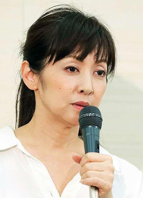 斉藤由貴、流出写真に困惑「事務所から警察に相談しております」 : スポーツ報知