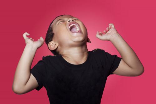 「子どもが奇声をあげる」親はどう対処すべき?