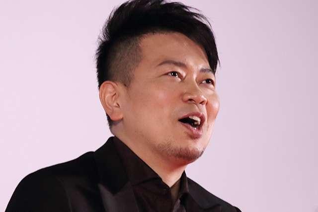 宮迫博之の不倫疑惑、松本人志の発言に妻が反応「12回とみてる」 - ライブドアニュース