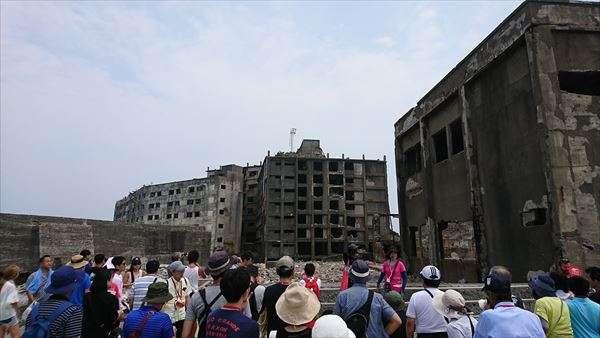 長崎の軍艦島に韓国人客が急増 横断幕を掲げるなどのトラブルも - ライブドアニュース