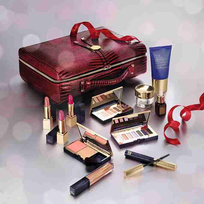 エスティローダー17年クリスマスコフレ - メークアップ&スキンケアのフルセットや、宝石の様な練香水 | ファッションプレス