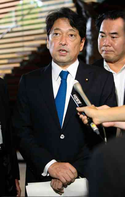 小野寺防衛相、ICBM発射予想「北朝鮮はやってくる」:朝日新聞デジタル