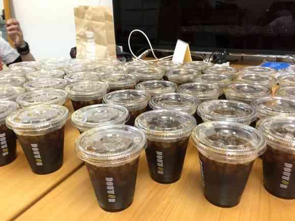 【検証】民進党『山尾議員』のコーヒー代が1日最大7万円オーバーと話題 / ドトールで1万円分のコーヒーを買って飲んでみた | ロケットニュース24