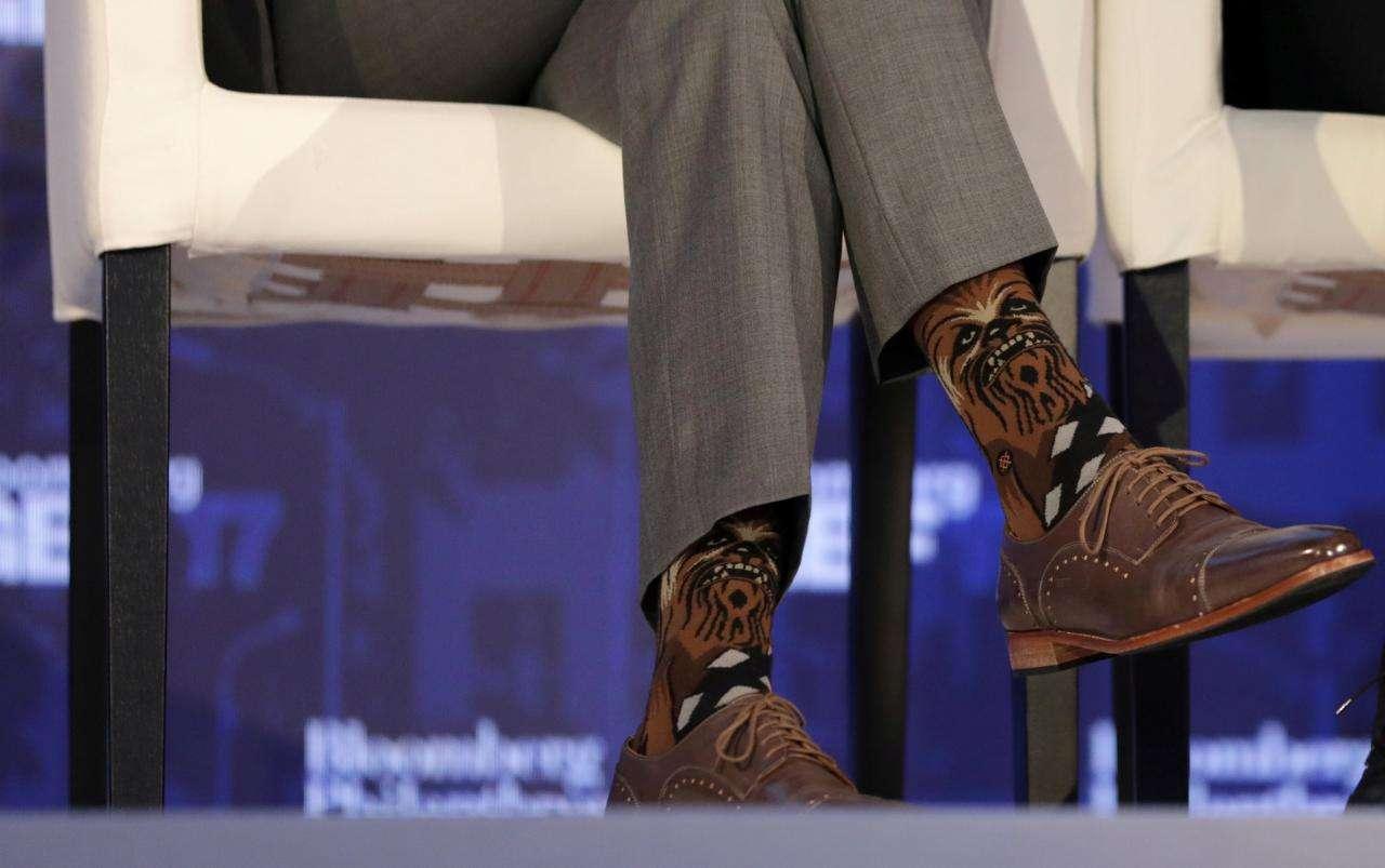 カナダのジャスティン・トルドー首相 靴下がチューバッカ柄だと話題に