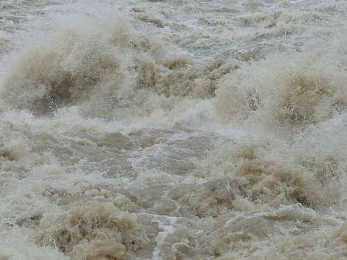 洪水に「水」で対抗…ハリケーンから家を守った方法が注目を集める:らばQ