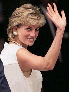 エリザベス女王爆弾発言「ダイアナは知り過ぎた」: あほうどりのひとりごと 幸福への近道