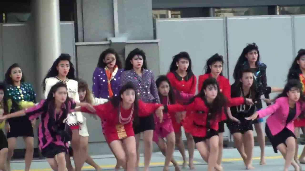 バブリー【キッレキレ!ダンスに圧巻!】登美丘高校ダンス部 2017.8.27@堺市役所前 - YouTube