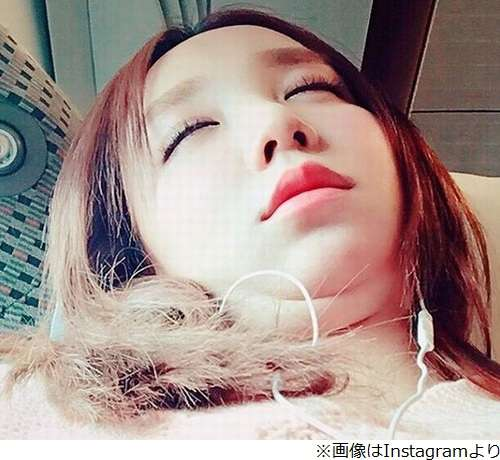 ざわちんの無防備な寝顔に「やばいwww」 | Narinari.com
