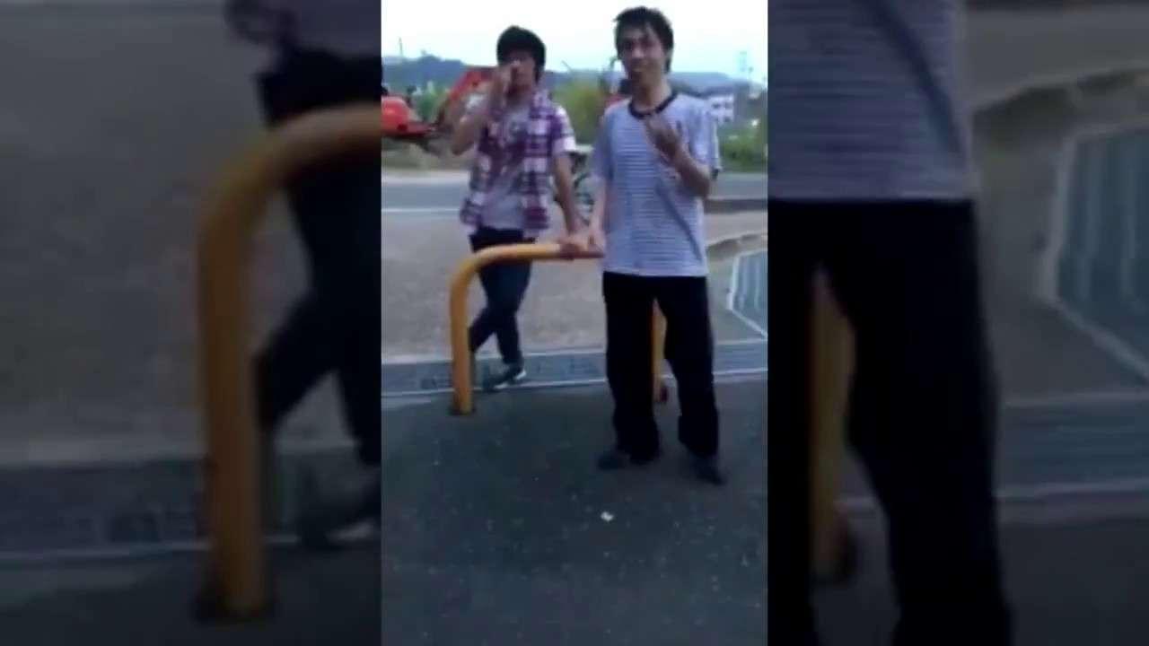 21歳の男が中学生とガチ喧嘩www - YouTube