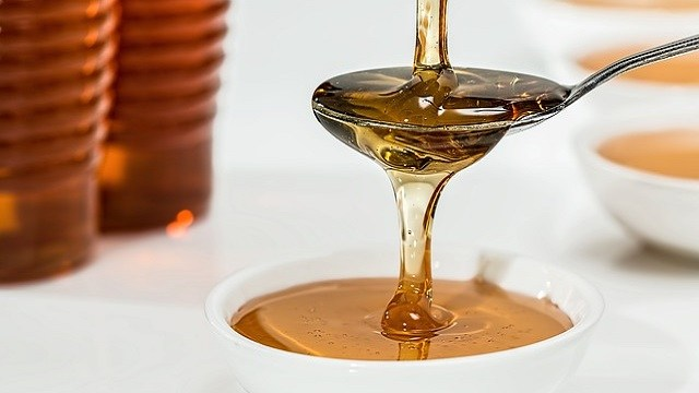 金属スプーンでマヌカハニーを食べると活性力が落ち効果が消える? | マヌカハニーの効果や効能とは?万能薬と人気の奇跡の蜂蜜を解説!
