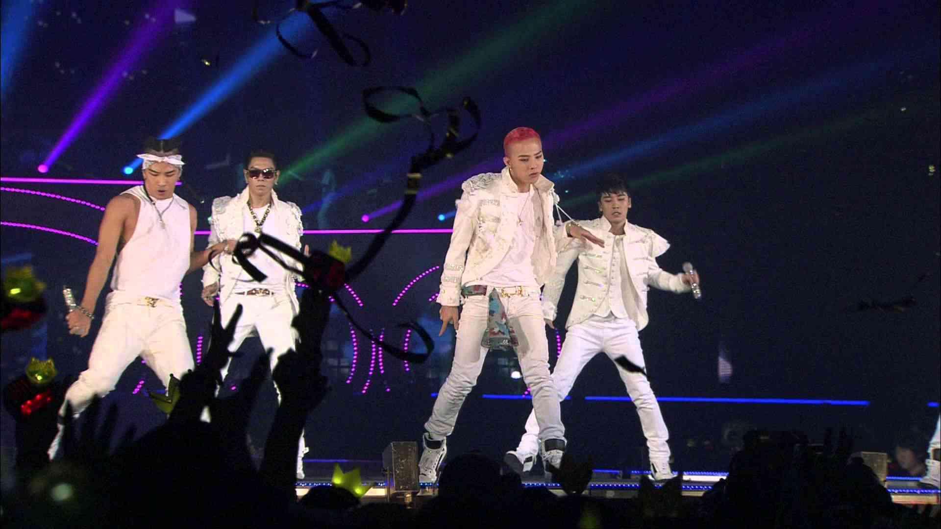 BIGBANG - FANTASTIC BABY @ TOKYO DOME 2012.12.05 - YouTube