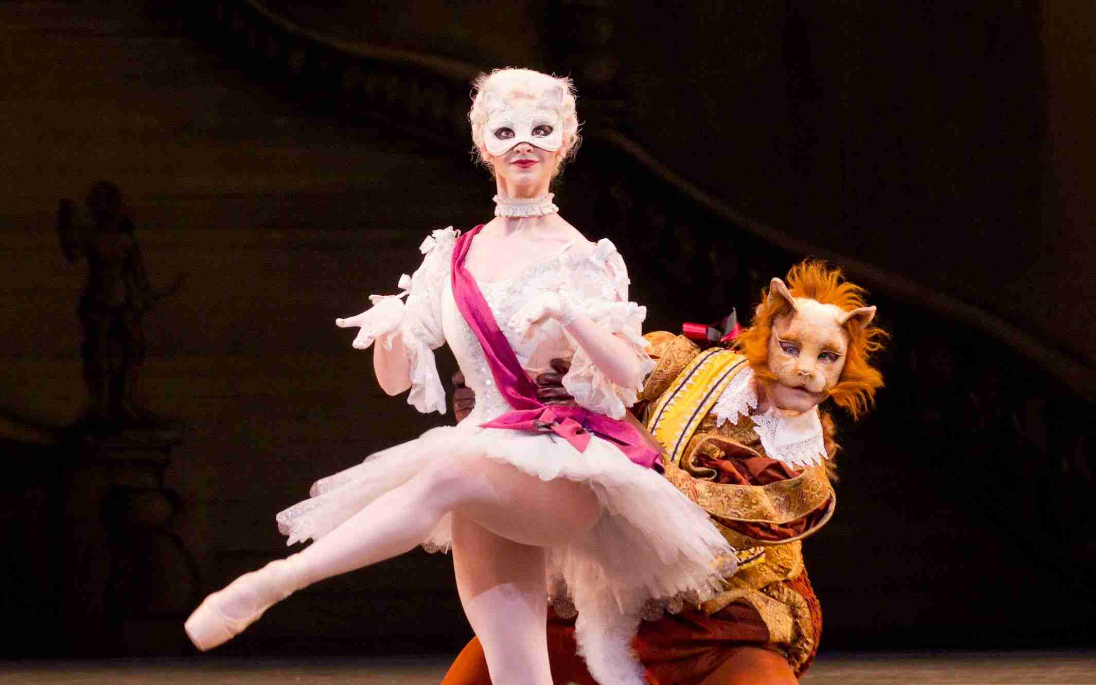 The Sleeping Beauty - White Cat and Puss-in-Boots pas de deux (The Royal Ballet) - YouTube