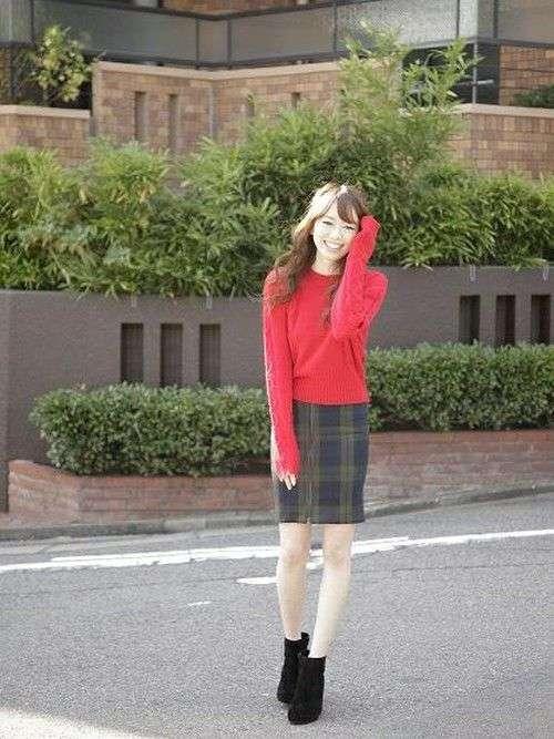 画像 : 秋冬に可愛く見せる最強コーデ♡「赤」を取り入れたファッションアレンジ - NAVER まとめ