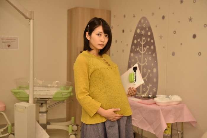 """志田未来「14才の母」以来10年ぶり""""出産"""" ろうあ者の妊婦役に<コウノドリ>"""