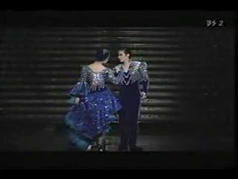 ベルサイユのばら'90 花組「フィナーレ  小雨降る径」 - YouTube