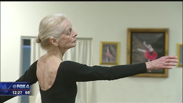 77歳の現役バレリーナ キャリア70年、一日2時間の練習欠かさず(米)