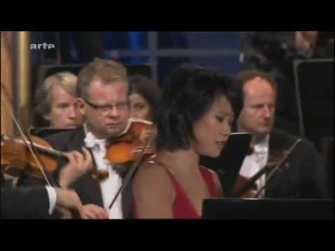 Yuja Wang plays Rachmaninov's Piano Concerto No. 3 - YouTube