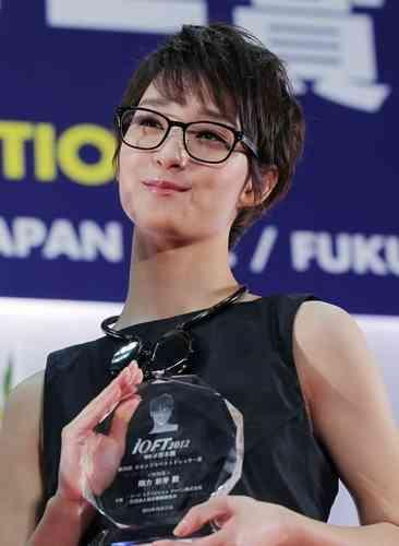 """藤田ニコル、""""無免許""""で日本ベスト・カー・フレンド賞を受賞「なんで私?」"""