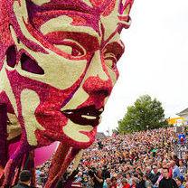 オランダの花の祭り「コルソズンデルト」が花の域を超えてる - NAVER まとめ