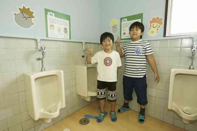 「うんち恥ずかしくない」学校トイレ入りやすくするため「うんちクイズ」やキャラクターも