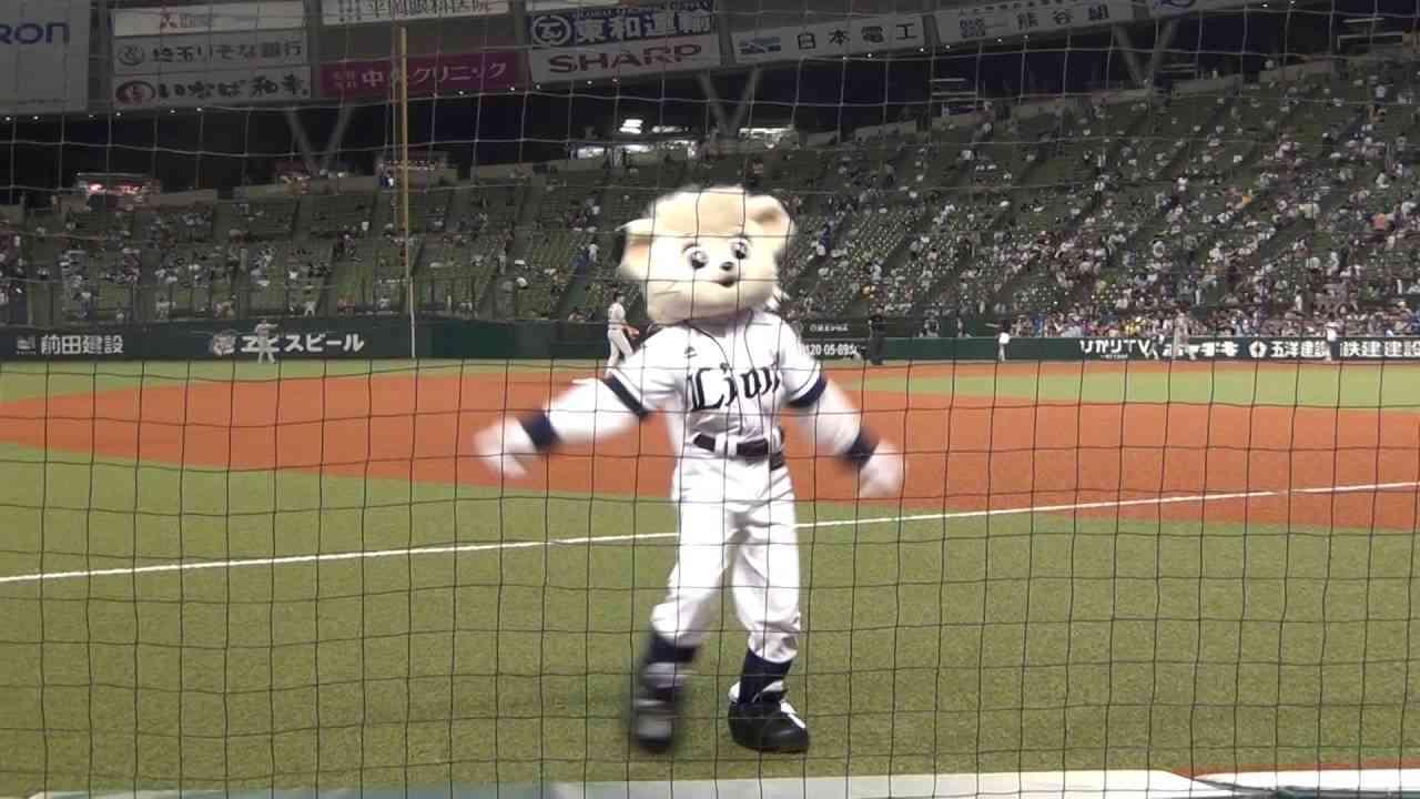 2016.6.10 ライナ キレッキレのダンス!(ラッキーセブン 吠えろライオンズ) - YouTube