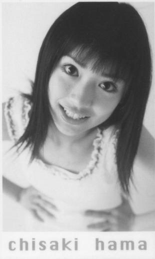 泉里香のインスタ美脚画像にファン歓喜!「脚細い!」「キレイ!」