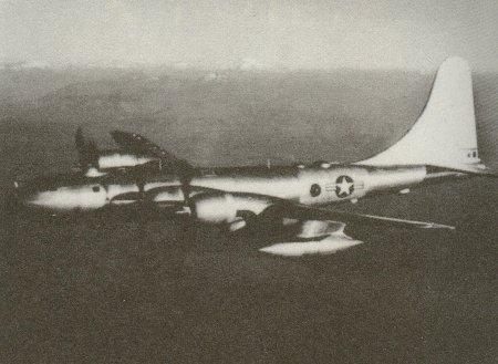 No.123 53年後の世界に飛行して来た爆撃機