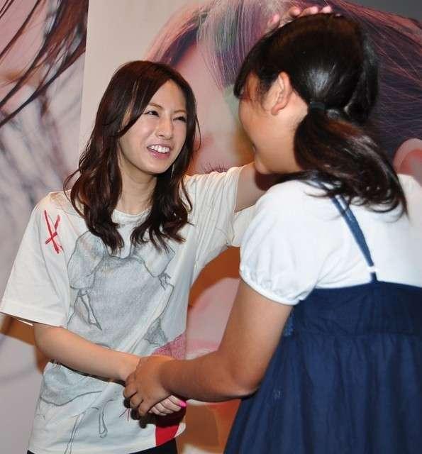 北川景子「涙出ちゃいました」 ファン500人がサプライズで誕生日祝福! : 映画ニュース - 映画.com