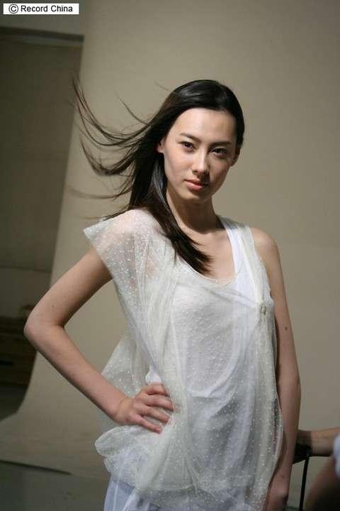 富豪と破局のイザベラ・リョン、極貧出身のシンデレラストー... - Record China