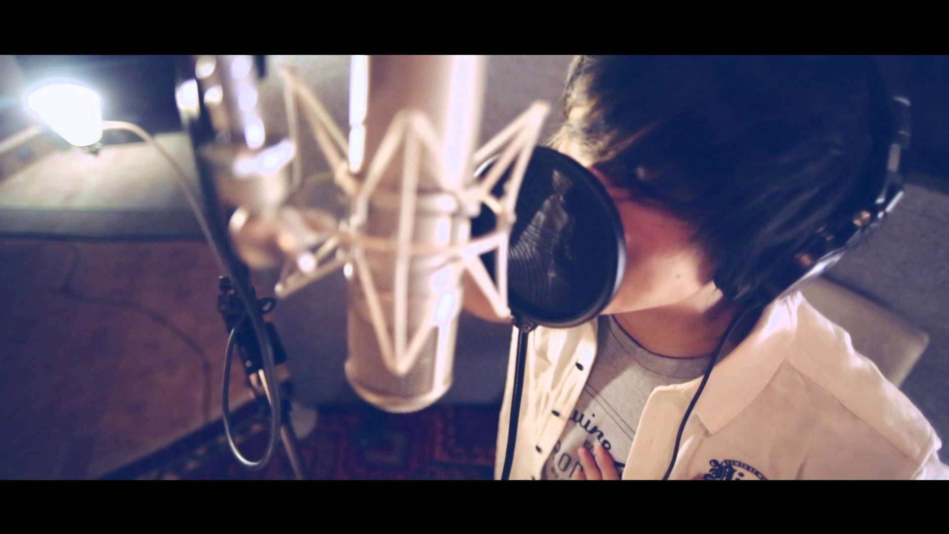 SILHOUETTE FROM THE SKYLIT【Blue Echo】 - YouTube