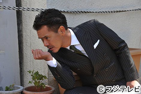 RIKACO、ミニスカ&網タイツ 「#息子に怒られる」とドキドキ